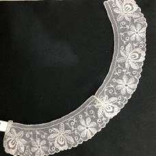 Lace Full Collar White